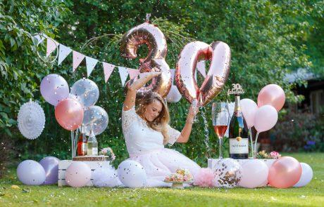 Adult Cake Smash Photography, High Wycombe, Buckinghamshire, 30th Birthday