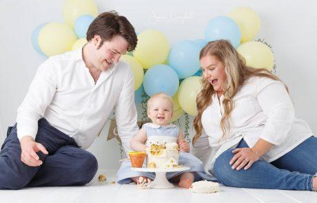 Cake Smash Photography, High Wycombe, Buckinghamshire, Baby, 1st Birthday, studio photoshoot