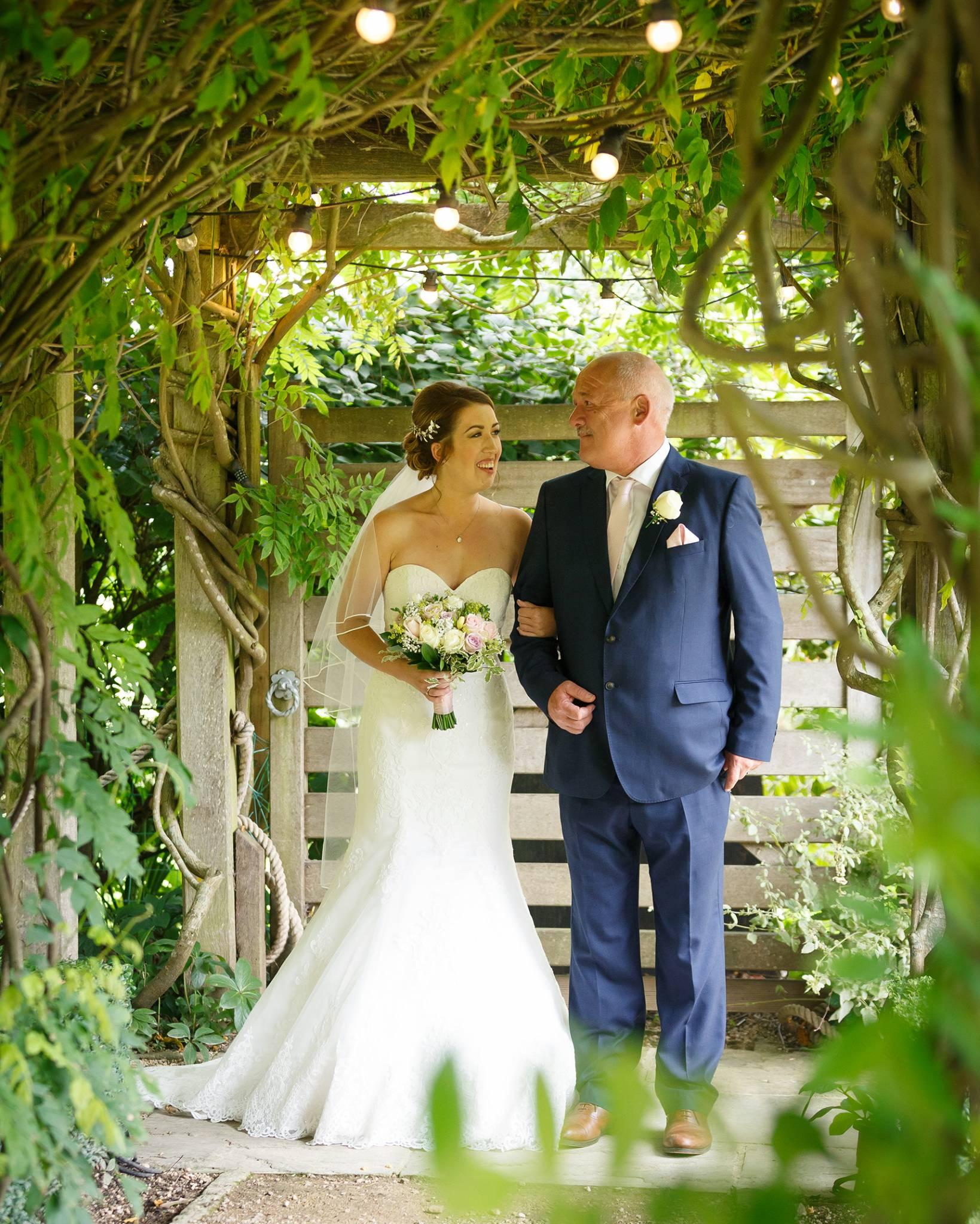 wedding photographer, wedding photographer, The Tythe Barn, Launtonhigh wycombe, buckinghamshire, bucks,